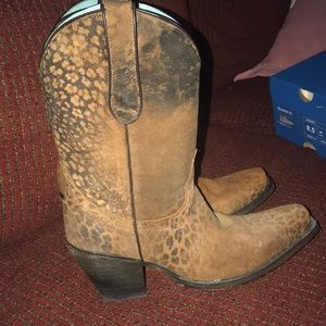 Corral Shoes - Corral Leopard print boots
